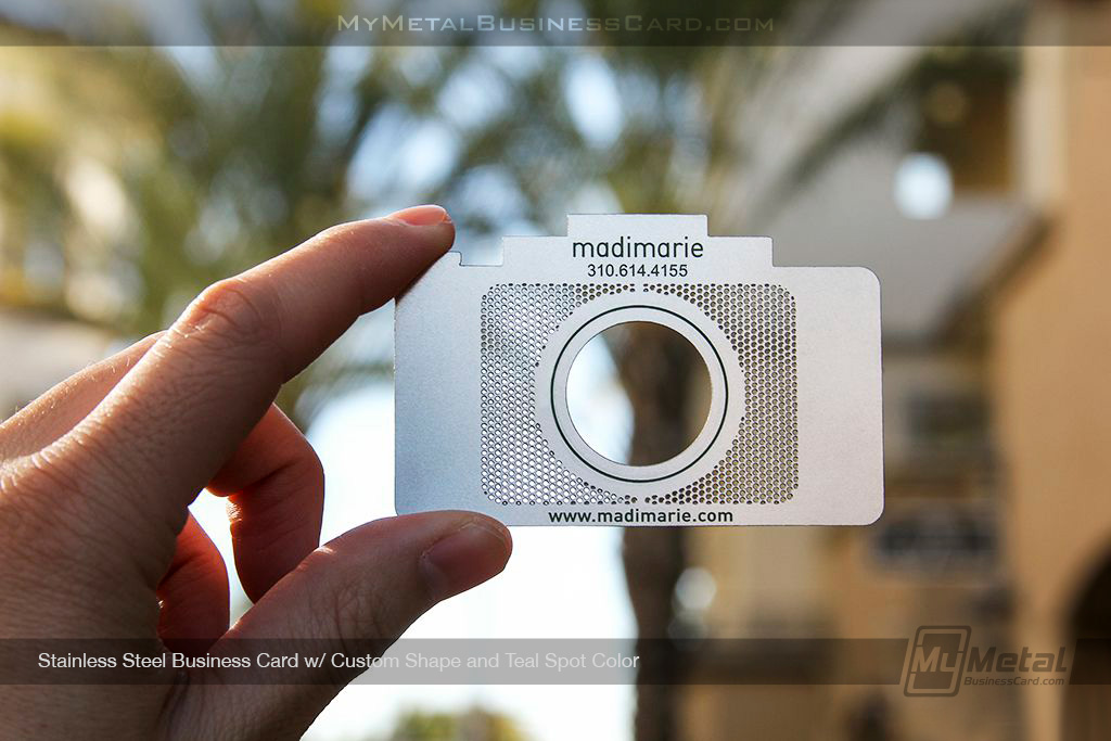 Custom-Camera-Shaped-Stainless-Steel-Metal-Business-Card-With-Black-Spot-Coloring
